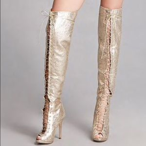 Shoes - 👢New - Metallic Boots